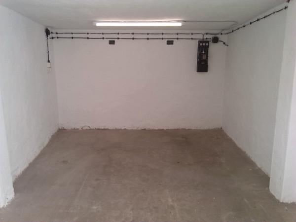 Garage mit Baufan Innen Latexfarbe