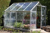 Selbst ein Gewächshaus bauen und Pflanzen kultivieren
