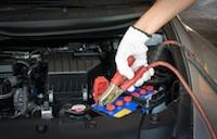 Wie lange braucht ein Autobatterie Ladegerät bis die Batterie geladen ist?