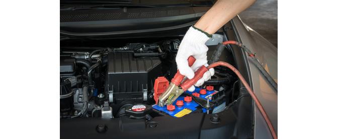 Die Autobatterie ausreichend aufladen