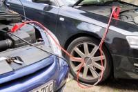 Was muss ich bei ungleichen Fahrzeugen bei der Starthilfe beachten?